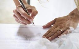 Firma del ` s della sposa Immagini Stock
