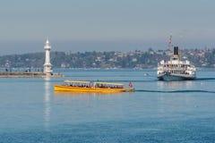 Firma der Schweiz Genf von traditionellen Booten lässt eine Seenavigation laufen Lizenzfreie Stockfotografie
