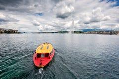 Firma der Schweiz Genf von traditionellen Läufen eine Seenavigation Stockfotos