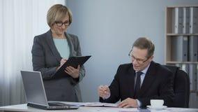 Firma współpracuje akceptującego plan biznesowego, wspólny szacunek, praca zespołowa współpraca zbiory wideo