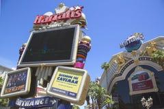 Firme adentro el frente del hotel y del casino de Harrah s Las Vegas Foto de archivo