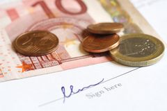 Firme con el dinero Imagen de archivo libre de regalías