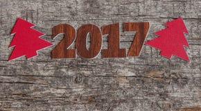 Firme el símbolo del número 2017 en el viejo estilo retro b de madera del vintage Imagenes de archivo