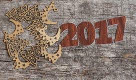 Firme el símbolo del número 2017 en el viejo estilo retro b de madera del vintage Imagen de archivo libre de regalías