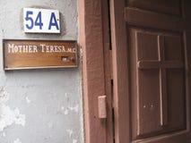 Firme en la entrada a la residencia de madre Teresa en Kolkata Imagen de archivo