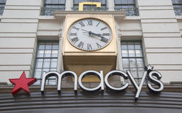Firme en Macy s Herald Square en Broadway en Manhattan Foto de archivo