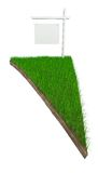 Firme en trozo de tierra con la hierba aislada en blanco Imagen de archivo