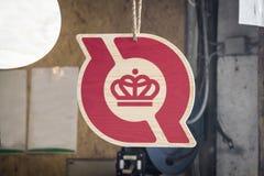 Firmi dentro una stalla del logo danese ufficiale dell'ecologia che è franchi immagini stock