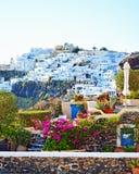 Firostefani bysikt Santorini Cyclades Grekland Fotografering för Bildbyråer