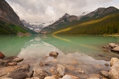 First light at Lake Louise Royalty Free Stock Photos