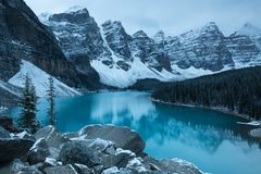 Free First Snow Morning At Moraine Lake In Banff National Park Alberta Canada Snow-covered Winter Mountain Lake In A Winter Atmosphere. Stock Photography - 161605782