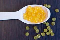 Fischöl Dorschleberschmieröl Omega 3 Gelkapseln lizenzfreie stockbilder