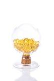 Fischölkapsel, Omega 3-6-9 weiche Gelkapseln des Fischöl-Gelbs Stockbilder