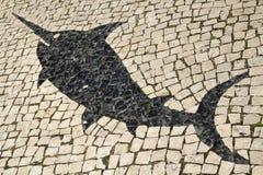 Fisch-Design in den portugiesischen Mosaik-Straßen-Fliesen Lizenzfreie Stockbilder