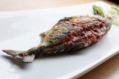 Fisch Recheado ist ein gebratener Fisch von Goa, Indien Stockbilder