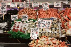 Fisch-u. Meeresfrüchte-Stall Lizenzfreie Stockfotografie