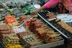 Fisch- und Fleischkugel lizenzfreies stockbild