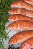 Fische an einem Markt Stockfoto