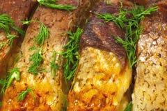 Fische gebacken im Ofen, Nahaufnahme Stockfoto