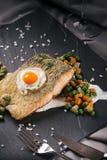 Fische mit Gemüse Stockfotos