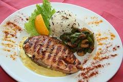 Fische und Gemüse lizenzfreie stockbilder