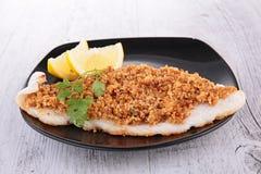 Fische und Krume lizenzfreie stockfotos