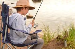 Fischen-Junge stockfoto