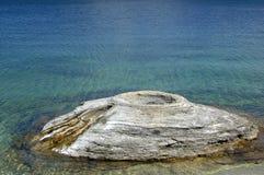 Fischen-Kegel-Geysir in Yellowstone Lizenzfreies Stockbild