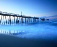 Fischen-Pier-äußere Querneigungen Nord-Carolina stockbilder