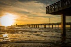 Fischen-Pier auf Texas Gulf Coast stockfotografie