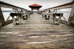 Fischen-Pier am See Dardanelle Lizenzfreie Stockbilder