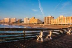 Fischen Pier View von Virginia Beach Boardwalk Lizenzfreie Stockfotos