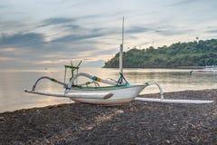 Fischen-Trimaran in Bali, Indonesien Stockbild