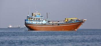 Fischen und Frachtschiffe, die für Transport im Roten Meer und im Golf von Aden benutzt werden Lizenzfreie Stockfotos