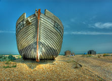 Fischenhütten auf Strand. Dungeness Großbritannien stockfotos