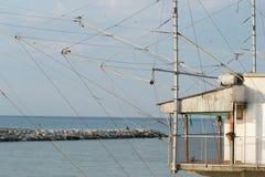 Fischenhaus auf dem Fluss Marecchia Stockbild