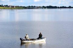 Fischer auf Blithfield-Reservoir, Großbritannien Stockfotos