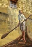 Fischer auf Boot Lizenzfreie Stockfotografie