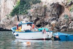Fischer auf Boot Stockfotografie