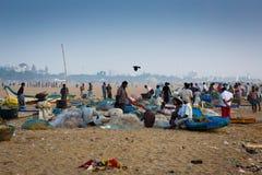Fischer auf dem Strand Marina Beach Lizenzfreie Stockbilder