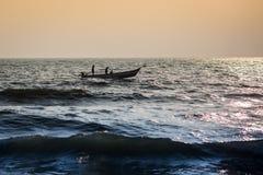 Fischer auf dem Strand Marina Beach Lizenzfreie Stockfotografie