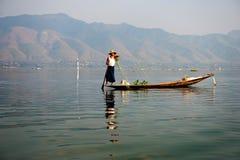 Fischer auf inle See Myanmar Lizenzfreie Stockfotografie