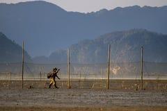 Fischer auf seinem Heimweg Stockfotos