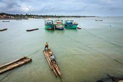 Fischer, der zur Fischerei, Kanyakumari fertig wird Lizenzfreies Stockbild