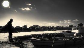 Fischer im Hafen von Falaride Stockbilder