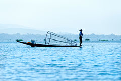 Fischer im inle See, Myanmar. Lizenzfreies Stockfoto