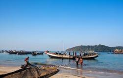 Fischer mit Netzen Stockfotografie