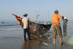 Fischer Mui Ne-Vietnam am Strand Stockfotos