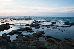 Fischer vier auf dem Ozean lizenzfreies stockfoto