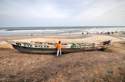 Fischerboot - Accra, Ghana Lizenzfreie Stockfotografie